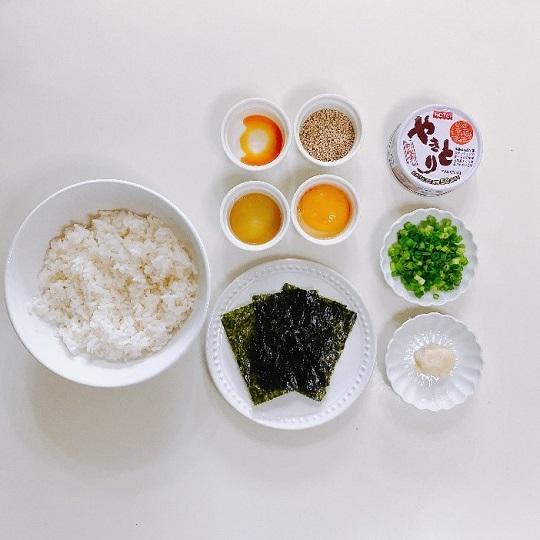 スタミナ焼き鳥丼の材料