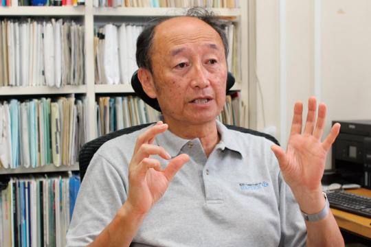 岩田洋夫教授2