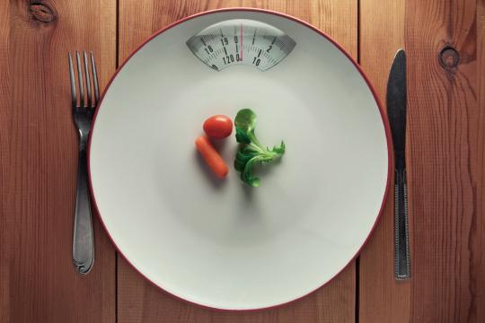 極端なダイエットのイメージ