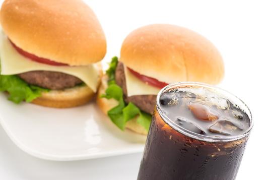ハンバーガーとコーラ