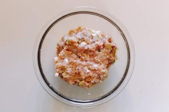 鶏ひき肉の甘辛つくねの作り方