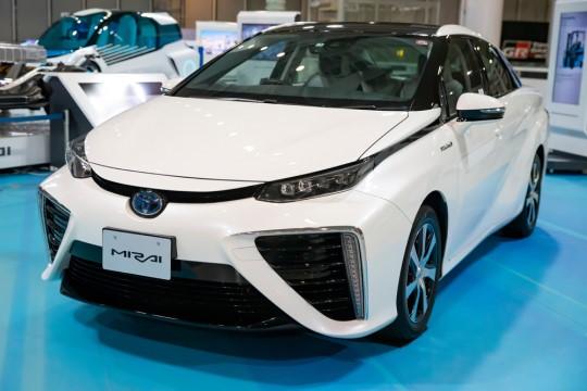 トヨタ自動車の量産型FCV「MIRAI(ミライ)」